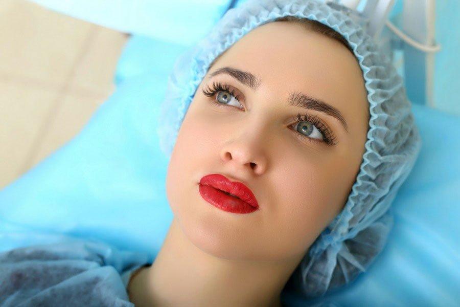 Makijaż permanentny – technika trwałego makijażu