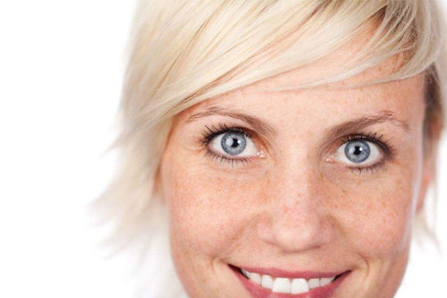 Przebarwienia skóry – skąd się biorą?