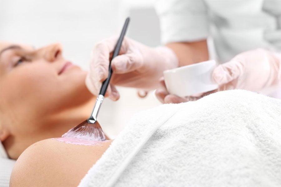 Peeling glikolowy - działanie, wskazania i przeciwwskazania