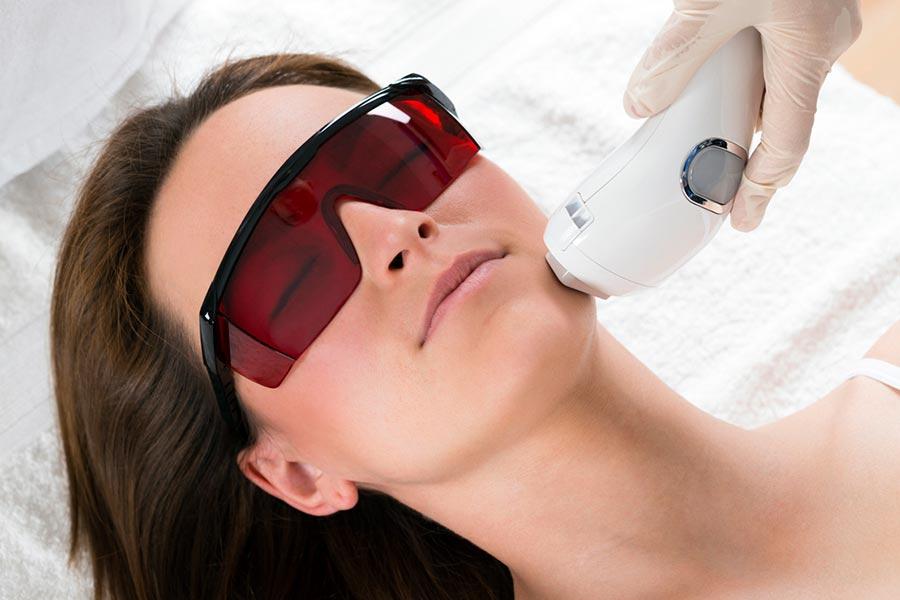 Laser frakcyjny - wskazania i przeciwwskazania
