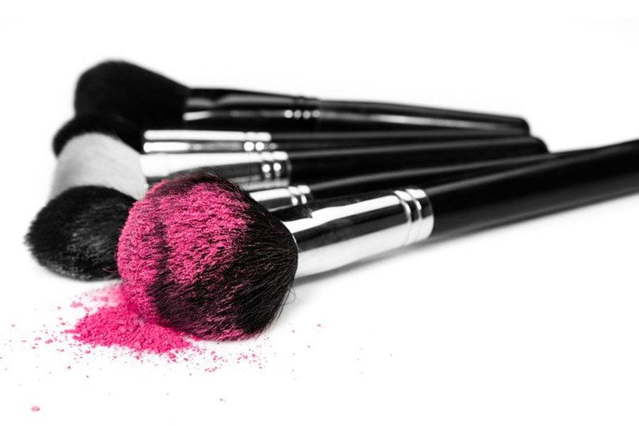 Pędzle do makijażu - jak o nie dbać?