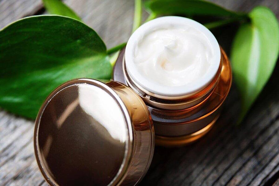 Kosmeceutyki - czym są i jak działają?