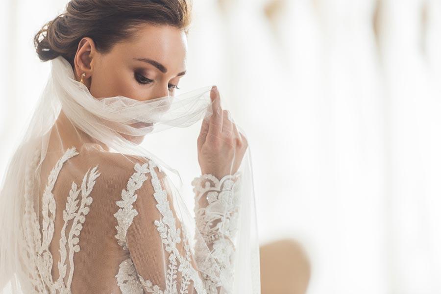 Makijaż ślubny - jak go wykonać?