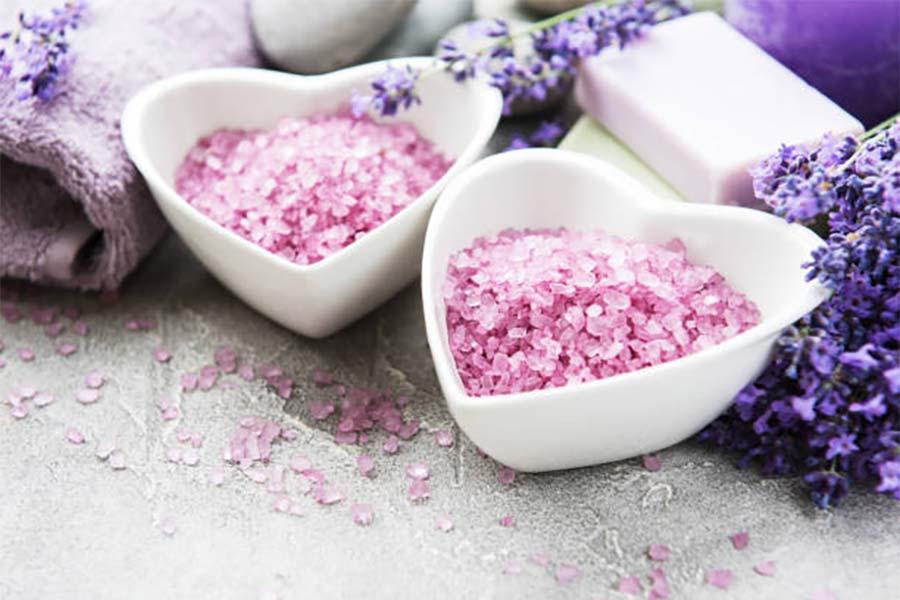 Sól do kąpieli - dlaczego warto z niej korzystać?