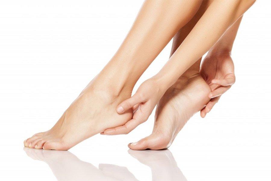Nadmierne rogowacenie stóp - przyczyny, objawy, leczenie