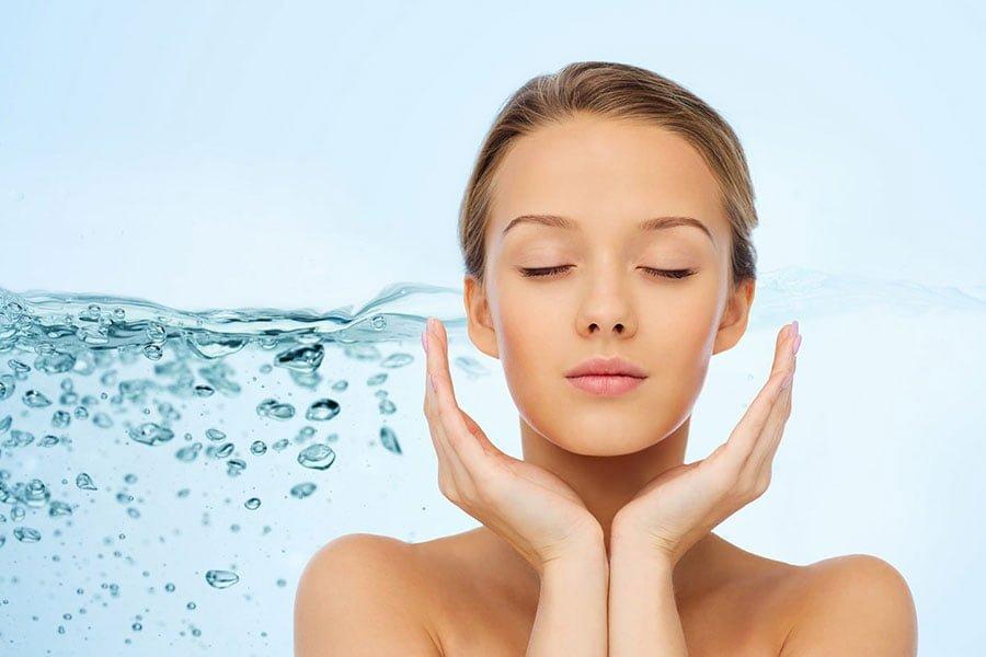 Nawilżanie skóry - dlaczego jest tak ważne?