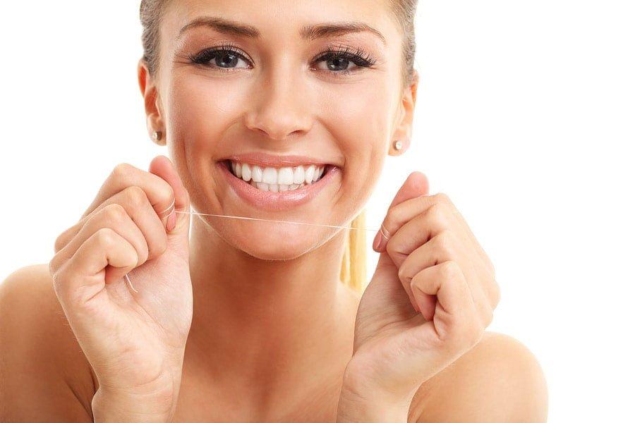 Nitkowanie zębów - dlaczego jest tak ważne?