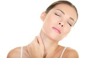 Skóra szyi i dekoltu - jak sprawić by wyglądała młodo?