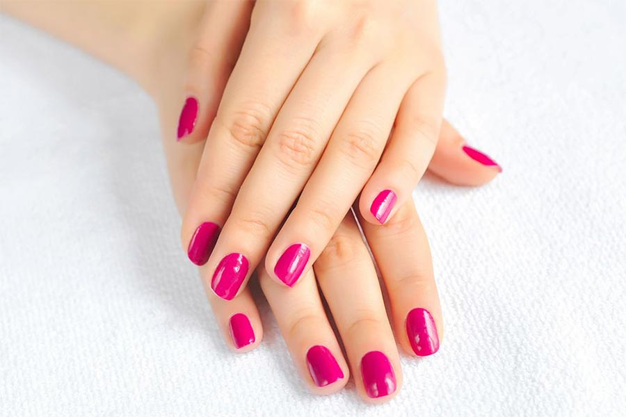Jak zrobić manicure hybrydowy w domu?