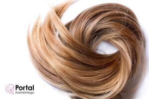 Przetłuszczające się włosy - jak temu zaradzić?