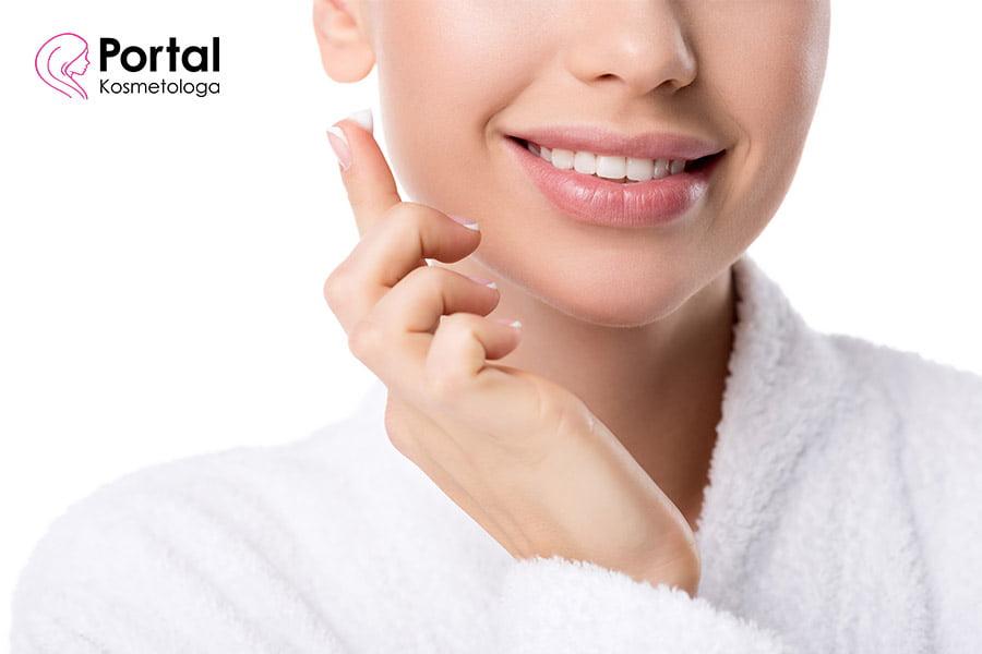 Co powoduje suchość skóry?
