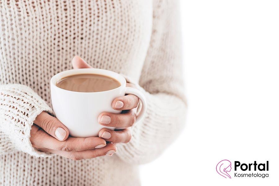 Jak kawa wpływa na skórę?