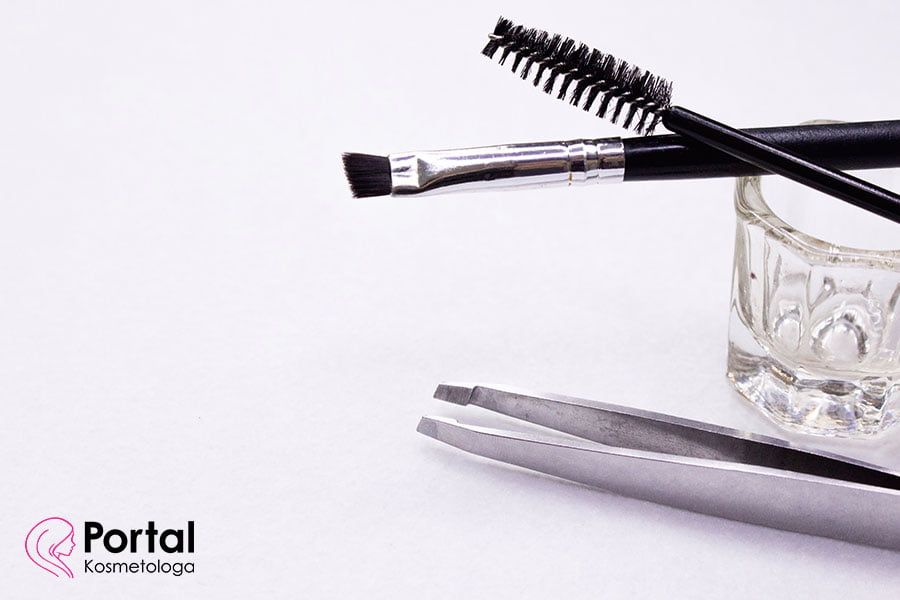Pomada do brwi - dlaczego warto z niej korzystać?