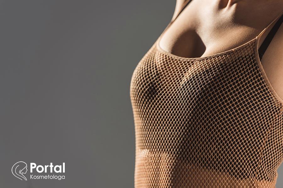 Opadające piersi - czego warto unikać?
