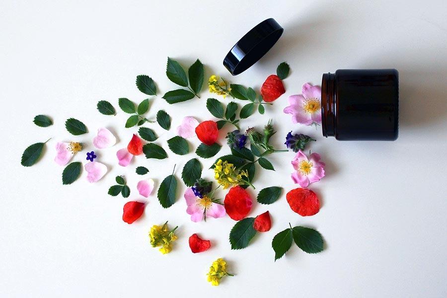 Bądź bliżej natury kosmetykami naturalnymi