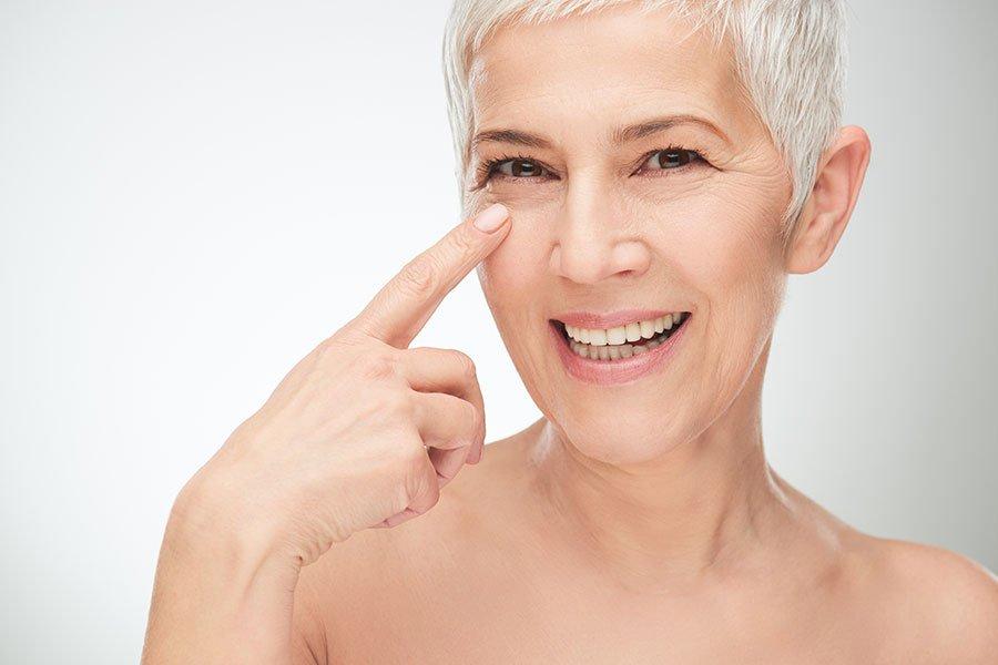 Kwas hialuronowy - jak działa na skórę?