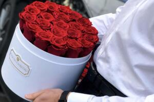 Wieczna róża – efektowny i elegancki prezent na każdą okazję
